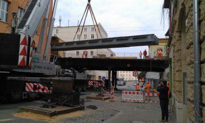 Einhub der bahnlinken Hilfsbrücke