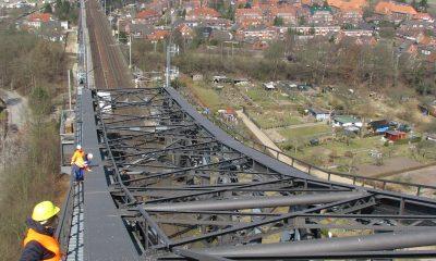 Blick vom Kanalbauwerk zum Widerlager der nördlichen Rampe