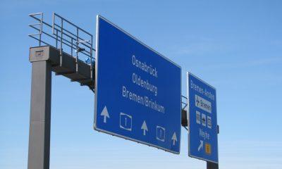 Kameras auf der Verkehrszeichenbrücke