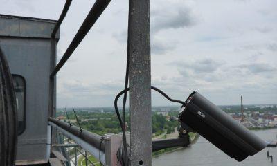 Kamera auf dem Pylon der Rethehubbrücke