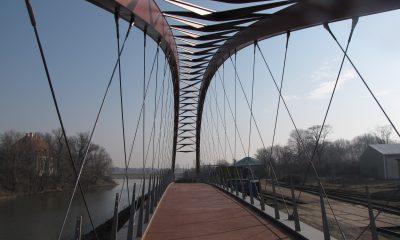 Erscheinungsbild der Netzwerkbogenbrücke vom Radweg aus