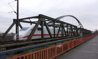 Überfahrt eines ICE über die EÜ Steinheim