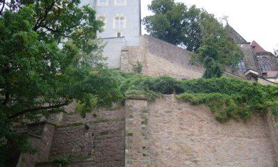 Stützmauer unterhalb der Burg